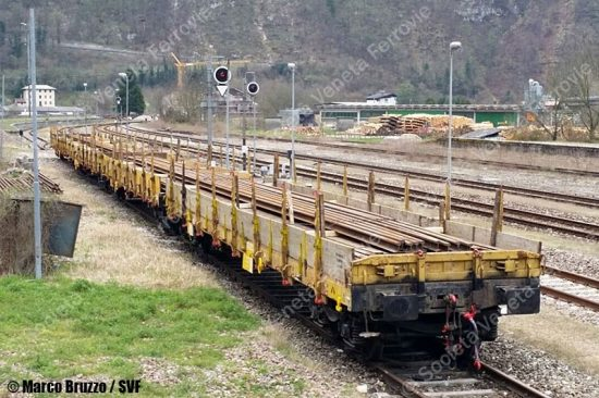 SVF-trenoCantiereRotaie-RimessaLocomotivePrimolano-2015-04-04-BruzzoM